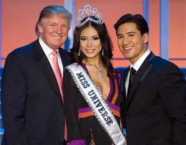 Donald Trump, Riyo Mori-Miss Universe 2007, Mario Lopez after the Miss Universe 2007 pageant in Mexico