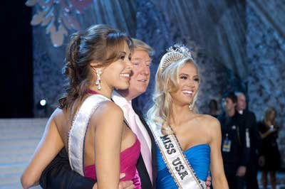Kristen Dalton with Donald Trump and Miss Universe 2008, Dayana Mendoza