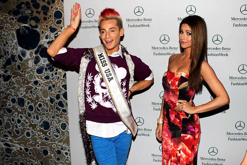 The reigning Miss USA, Nia Sanchez lets Frankie Grande wear her Miss USA sash.  Frankie was a Big Brother U.S. contestant last year and he is also brother of pop star, Ariana Grande.