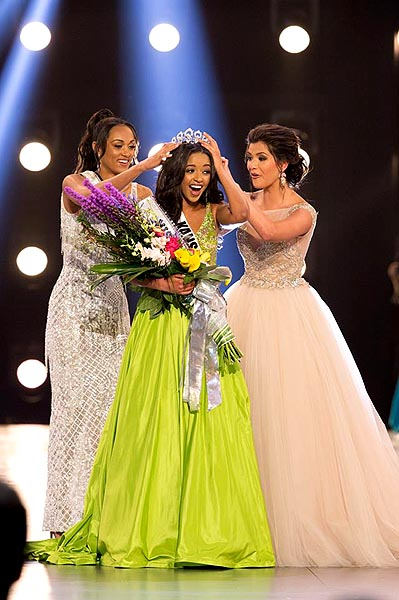Hailey Colborn is crowned Miss Teen USA