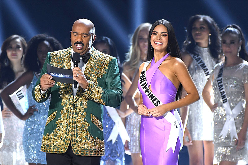 Steve Harvey with Philippines