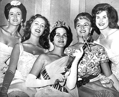 The top 5 of Miss Universe 1960 from Left to Right: 4th Runner Up-Spain's Maria Teresa Del Rio, 2nd Runner Up-Austria's Elizabeth Hodacs, Miss Universe 1960-USA's Linda Bement, 1st Runner Up-Italy's Daniela Bianchi, 3rd Runner Up-South Africa's Nicolette Caras