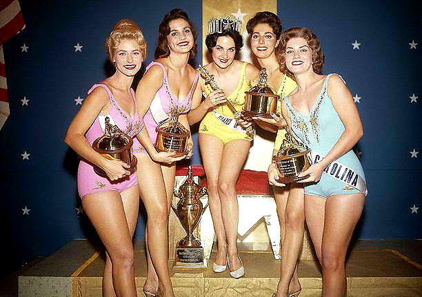 The top 5 of Miss USA 1960 from left to right: 4th Runner Up-Florida's Nancy Wakefield, 2nd Runner Up-Alabama's Margaret Jo Gordon, Miss USA and Miss Universe 1960-Utah's Linda Bement, 1st Runner Up-New York's Mary Rodites, 3rd Runner Up-North Carolina's Lyndia Ann Tarleton