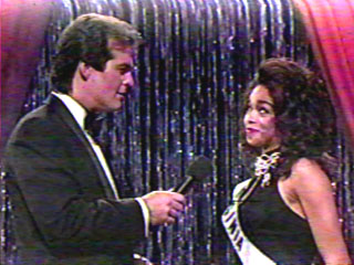 Bob Goen gets Pat Southall to confess that she is jobless and when he asks her what she is going to do next, Pat gives this grin to the judges.  She didn't say it but the look said it all.  She was ready for the Miss USA crown!